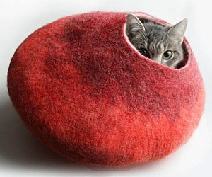 Fuzzy Bubble Cat Bed